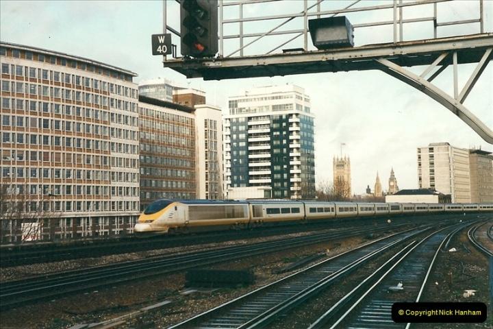 2000-02-08 Vauxhall, London.  (4)242