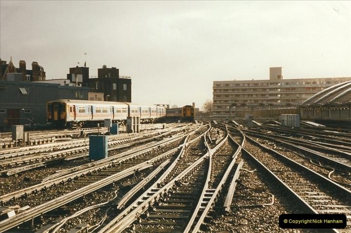2000-02-09 London stations.  (10)260