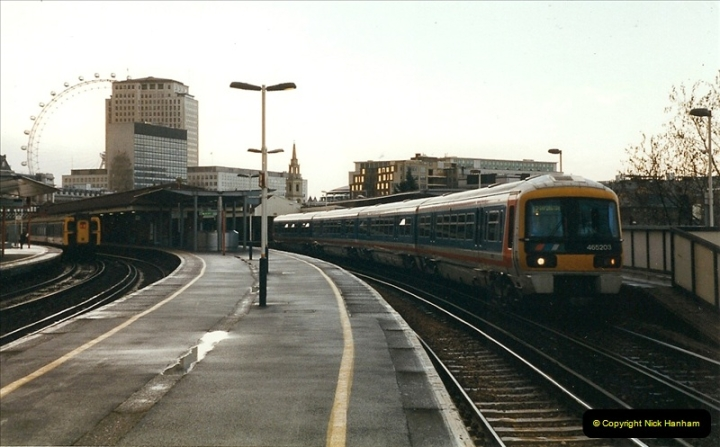 2000-02-09 London stations.  (17)267