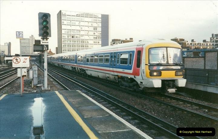 2000-02-09 London stations.  (19)269