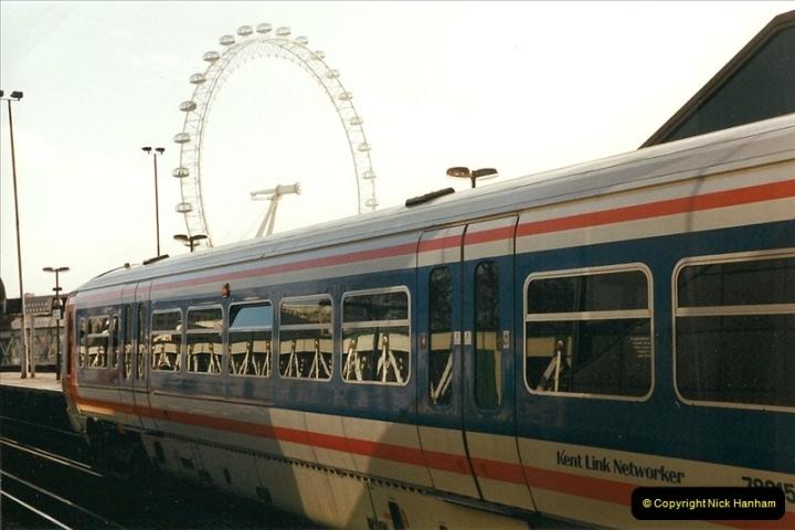 2000-02-09 London stations.  (6)256