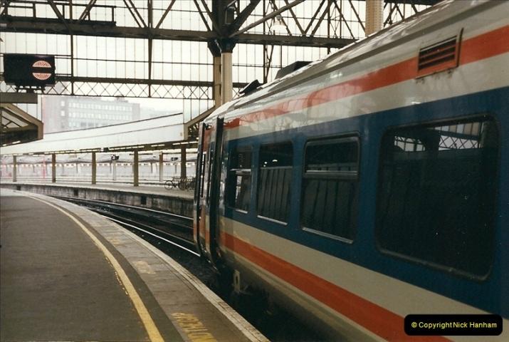 2000-02-09 London stations.  (7)257