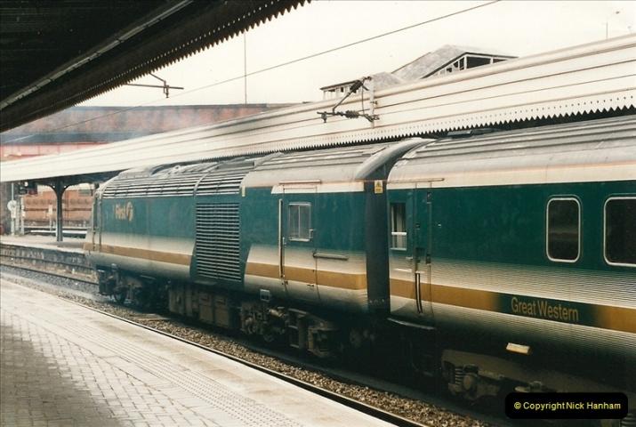 2000-04-04 London stations.  (13)292