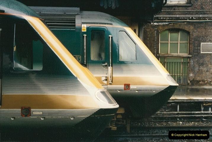 2000-04-04 London stations.  (22)301