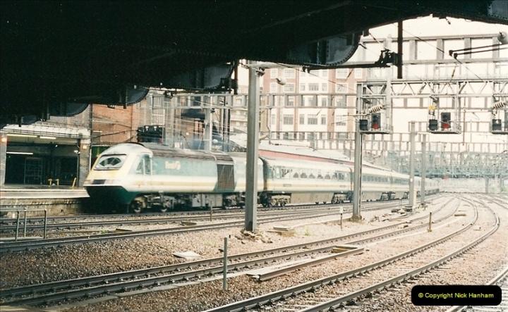 2000-04-04 London stations.  (25)304
