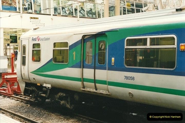 2000-04-04 London stations.  (38)317