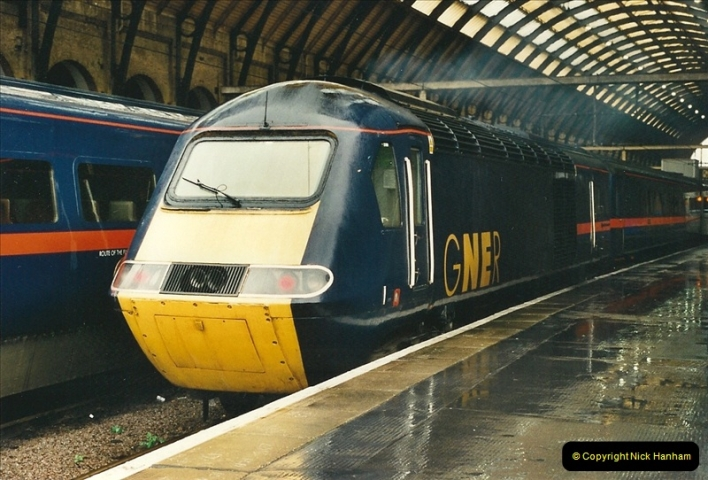 2000-04-04 London stations.  (42)321