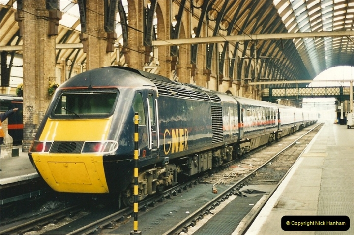 2000-04-04 London stations.  (45)324