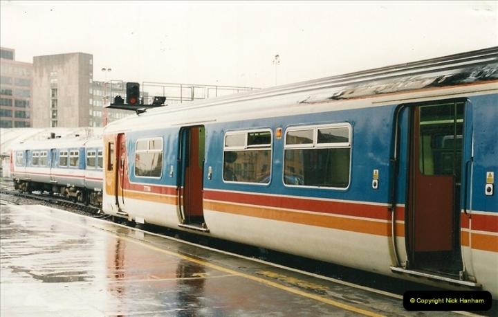 2000-04-04 London stations.  (5)284