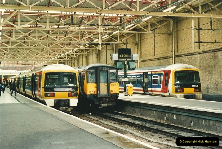 2000-04-04 London stations.  (55)334