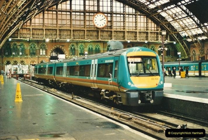 2000-04-04 London stations.  (64)343