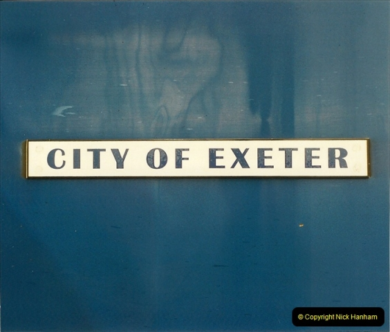 2000-04-04 London stations.  (70)349