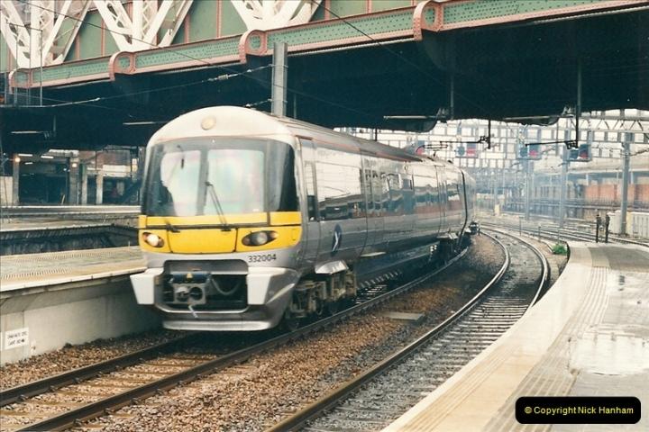 2000-04-04 London stations.  (9)288