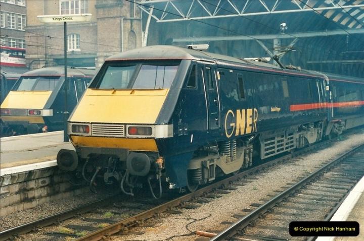 2000-04-25 London Kings Cross.   (11)367