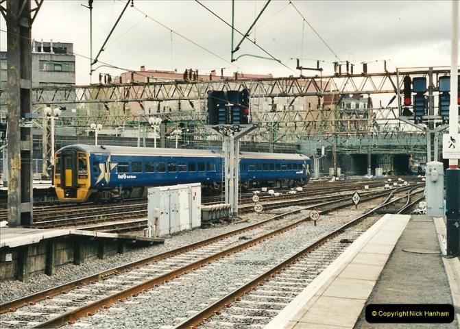 2000-04-25 London Kings Cross.   (1)357