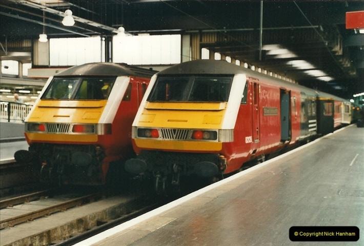 2000-07-22 to 23 London Euston.  (1)  465