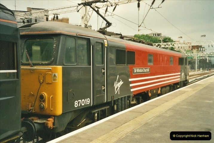 2000-07-22 to 23 London Euston.  (11)  475