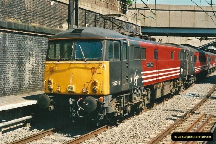 2000-07-22 to 23 London Euston.  (29)  493