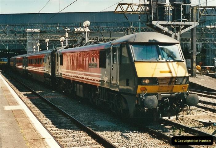 2000-07-22 to 23 London Euston.  (32)  496