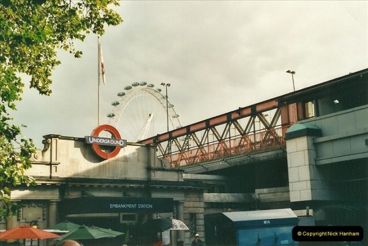 2000-09-12 London.  (2)527