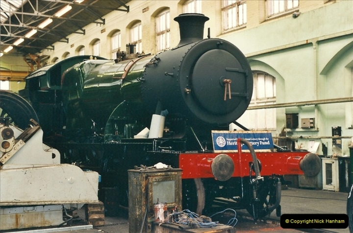2000-11-08 Swindon Works, Swindon, Wiltshire.  (6)600