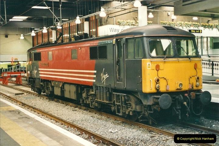 2001-03-27 Euston, London.  (2)612