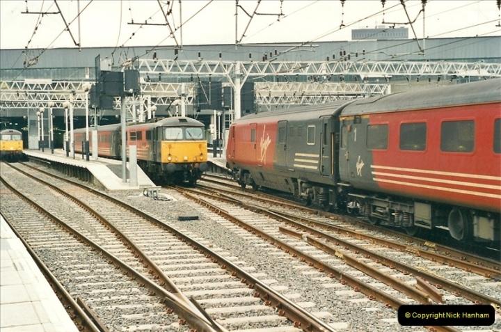 2001-03-27 Euston, London.  (4)614