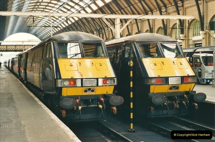 2001-03-27 Kings Cross, London.  (2)633
