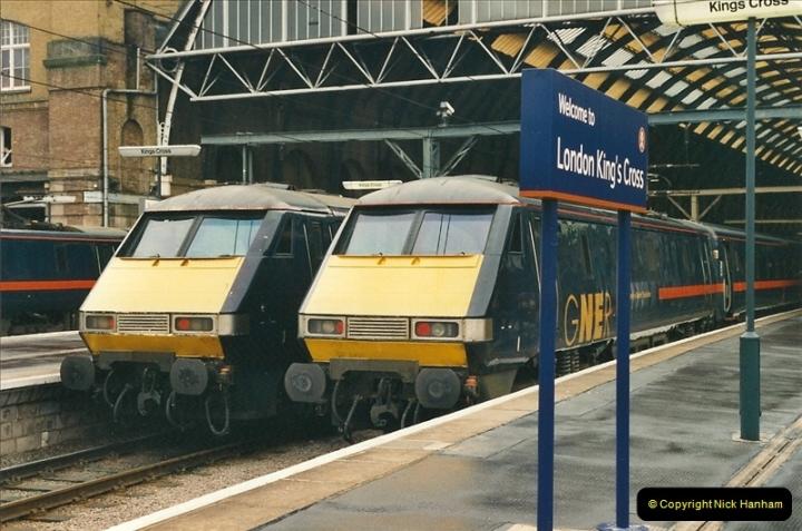 2001-03-27 Kings Cross, London.  (8)639