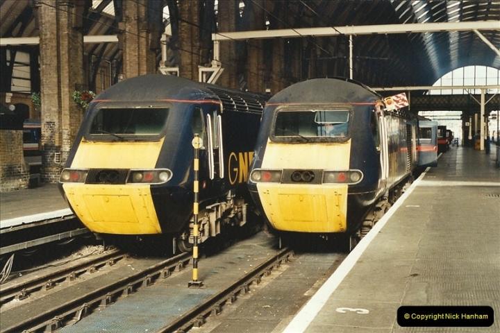 2001-11-03 London Kings Cross.  (2)711