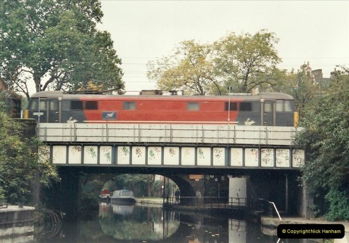 2001-11-04 London Camden Town.  (5)726