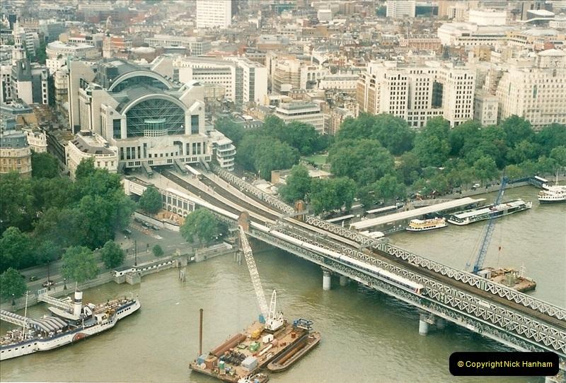 2000-09-12. London Eye.  Charring X.  (2)002