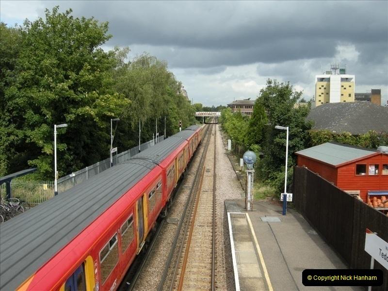 2008-08-19 Teddington, Middlesex.  (1)216