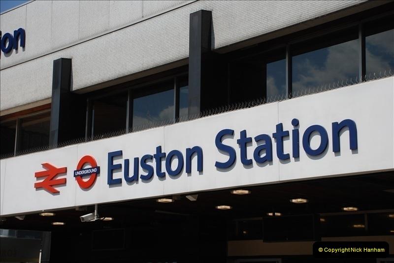 2010-06-17 Euston Station, London.  (1)264