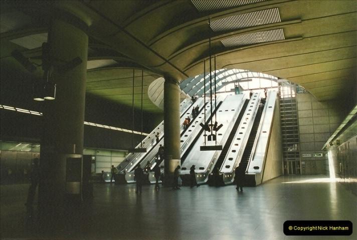 2002-07-19. Canary Wharf.  (4)009