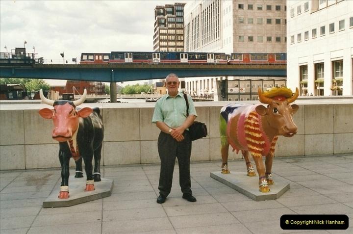 2002-07-19. Canary Wharf. Your Host.  (1)011