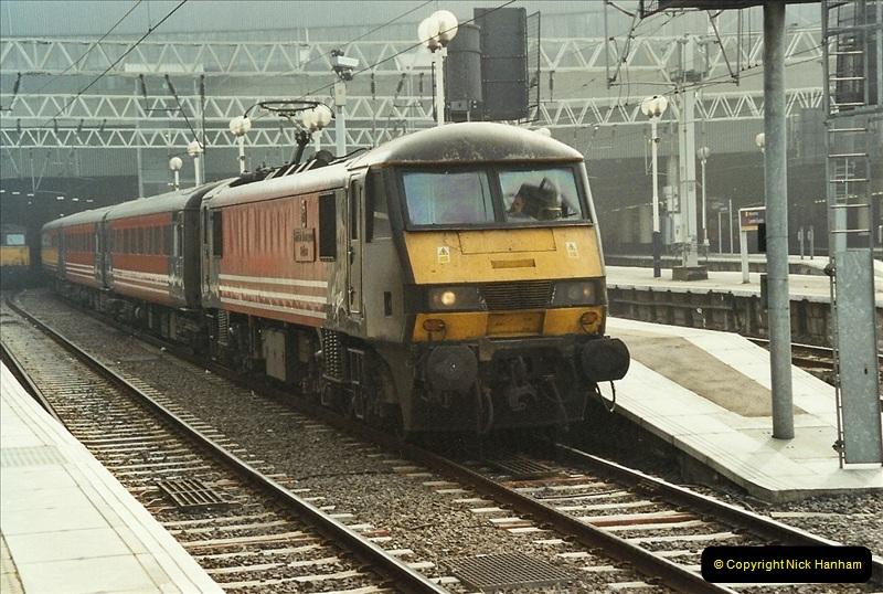 2003-03-28 London Euston.  (3)053