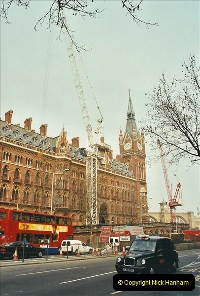 2003-03-28 London St. Pancras.  (2)072