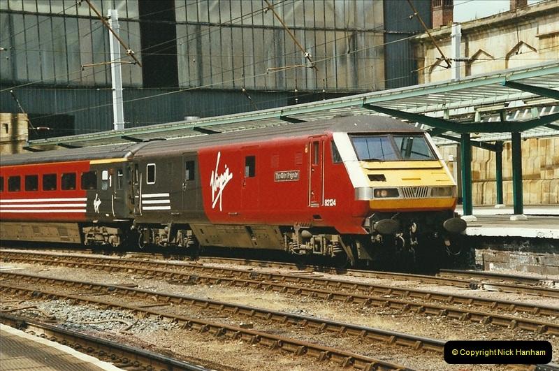 2003-06-14 Northampton-Crewe-Carlisle & Return. The Royal Scott & 6233 Dutchess of Southerland.  (64)184