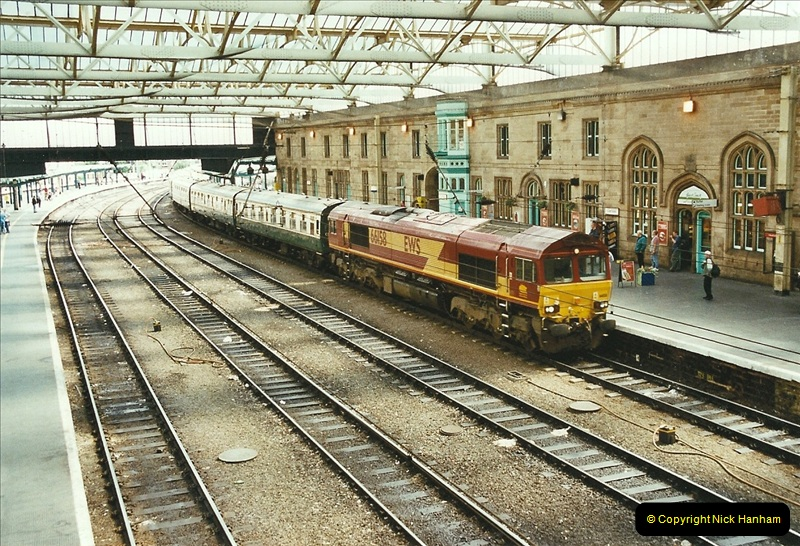 2003-06-14 Northampton-Crewe-Carlisle & Return. The Royal Scott & 6233 Dutchess of Southerland.  (69)189
