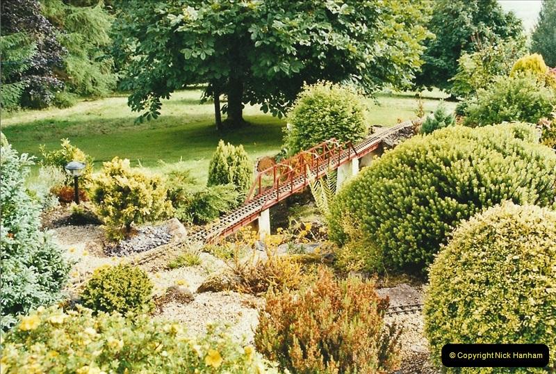 2004-06-30 Stiklepath Garden Railway, Devon.  (2)301