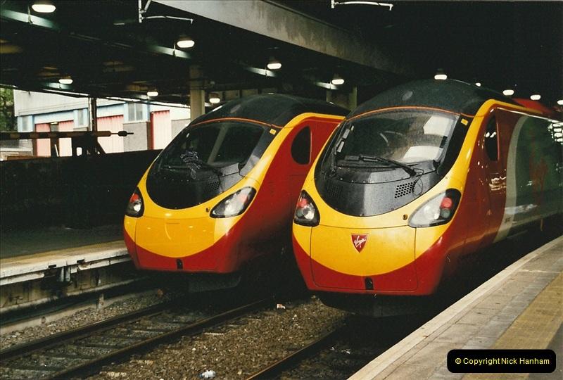 2005-05-09 London Euston.  (1)453