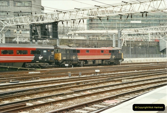 2003-02-21 London Euston.  (16)021