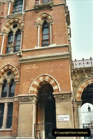 2003-03-28 London St. Pancras.  (1)071