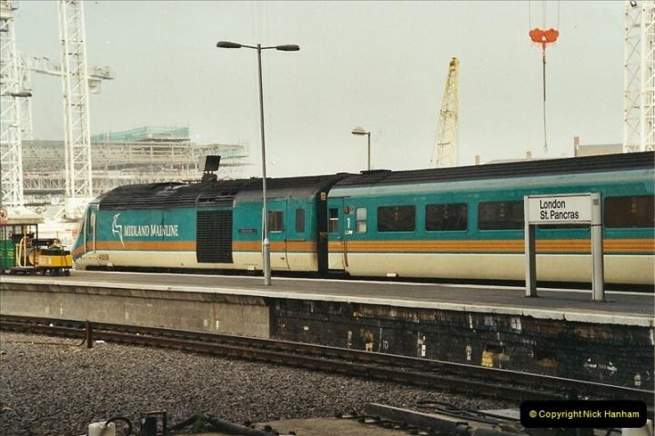 2003-03-28 London St. Pancras.  (3)073