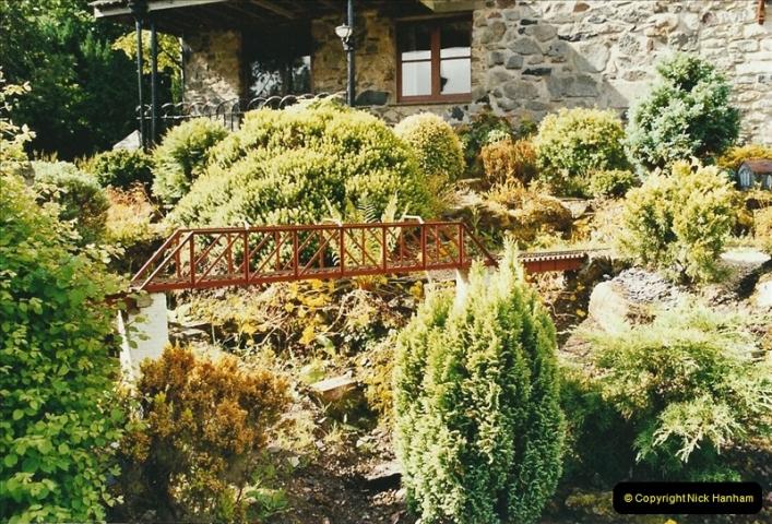2004-06-30 Stiklepath Garden Railway, Devon.  (6)305