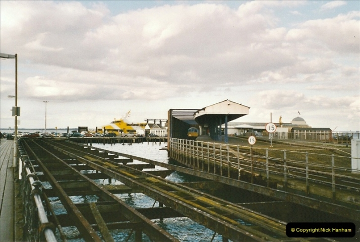 2004-10-18 Ryde IOW. (12) 384