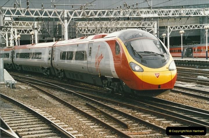 2005-03-10 to 12 London Euston.  (12)409