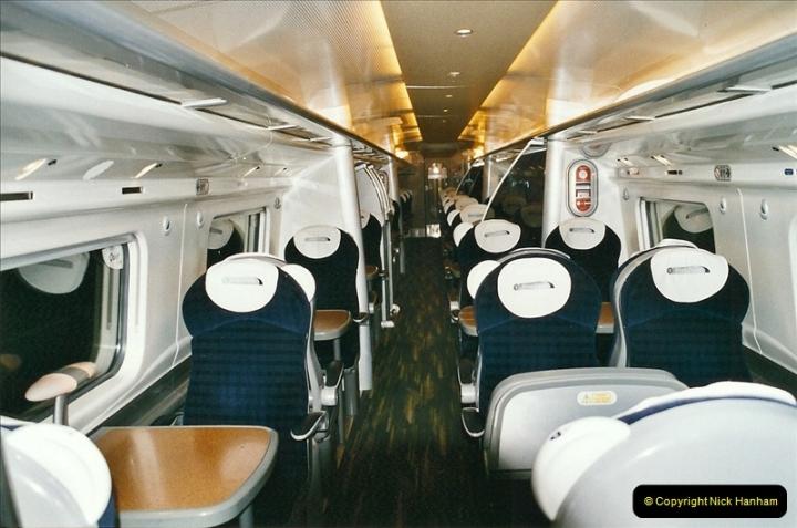 2005-03-10 to 12 London Euston.  (7)404