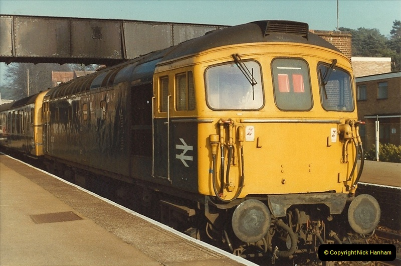 1982-03-25 Parkstone, Poole, dorset.  (4)145
